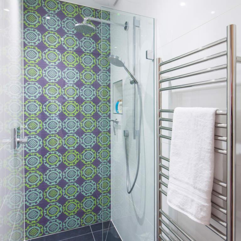 Bathroom Glass Splashback in Shower