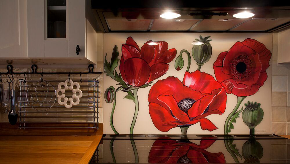 Poppy Splashback with black range cooker