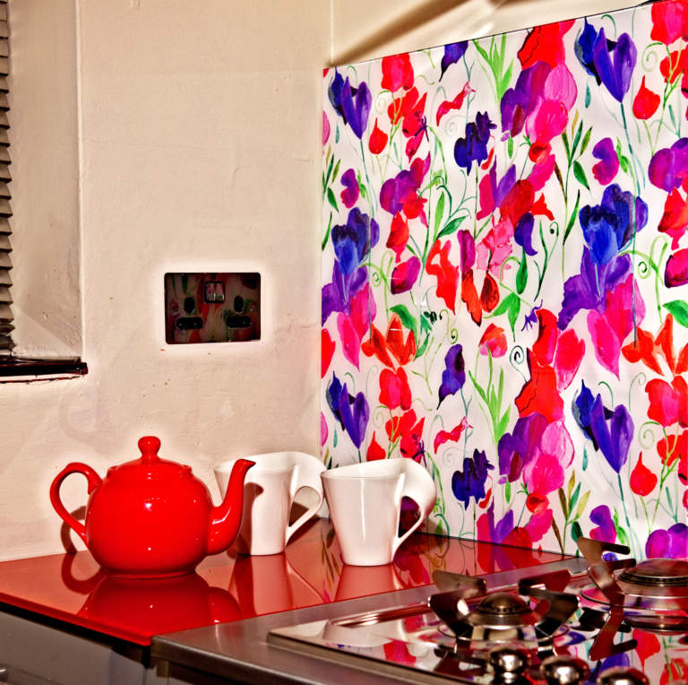 Glass splash back with Sweetpea Design