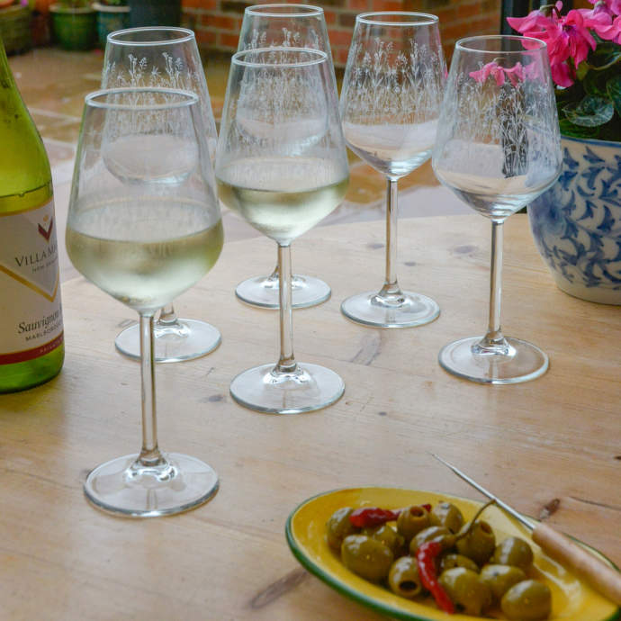 Meadow_Wine_Glasses_6